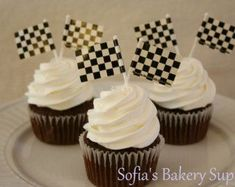 26 Ideas Race Cars Birthday Party Baby Shower For 2019 Race Car Birthday, Race Car Party, Cars Birthday Parties, 4th Birthday, Nascar Party, Dirt Bike Party, Birthday Ideas, Race Car Themes, Race Cars