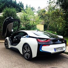 Test Drive BMW i8 #BMW #bmwi8 #carswithoutlimits #cars #instacar #carstagram #exoticcars #drive #auto #autovideoreview #carsofinstsgram #carporn #bmwclub #bimmer