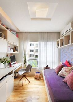 10 Inspiring Home Office/Guest Room Combinations. home office with built ins. home decor and interior decorating ideas.