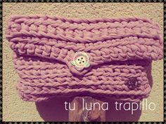 Bolso de mano Trapillo https://www.facebook.com/pages/Tu-luna-trapillo-crochet-complementos/611292162271575?ref=hl