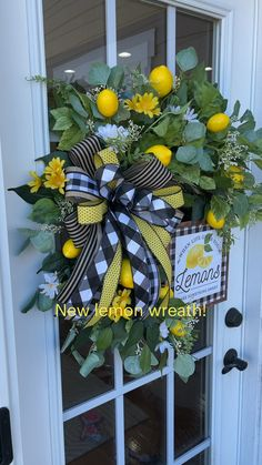 Diy Easter Decorations, Decoration Table, Tray Decor, Summer Door Decorations, Summer Mantle Decor, Summer Door Wreaths, Holiday Wreaths, Front Door Wreaths, Front Door Decor