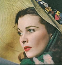 Vivien Leigh as Scarlett O`Hara from Gone with the wind Vintage Hollywood, Hollywood Glamour, Hollywood Stars, Classic Hollywood, Vintage Glam, Hollywood Life, Scarlett O'hara, Vivien Leigh, Go To Movies