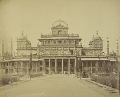 [The King's Palace in the Kaiserbagh]; Felice Beato (English, born Italy, 1832 - 1909); Lucknow, Uttar Pradesh, India; April 1858; Albumen silver print; 24.4 x 30 cm (9 5/8 x 11 13/16 in.); 2007.26.205.24; Partial gift from the Wilson Centre for Photography