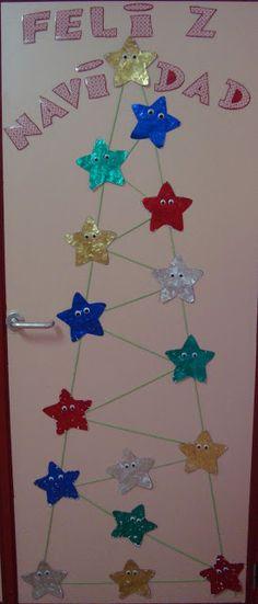 La primera manualidad Navideña que realizamos fue la estrellita para ponerla en nuestra puerta. Cada niño tenía una estrella como esta. ...
