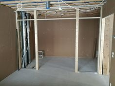 Toiveiden tynnyri: Liukuovet seinän sisään DIY eli tee-se-itse Divider, Mirror, Room, Diy, Furniture, Home Decor, Bedroom, Decoration Home, Bricolage