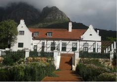 In 1657 the VoC granted land on the slopes of Table Mountain to a number of free burghers under the leadership of Stev University Of Cape Town, Cape Dutch, Stone Retaining Wall, History Online, Stone Path, Table Mountain, Meeting Place, African History, Brick Wall