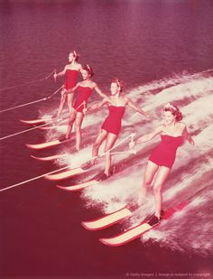 WOMEN WATER SKIING PARALLEL, 1950S