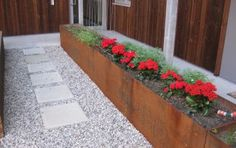 EverEdge Steel Planters - EverEdge - flexible metal garden edging and steel raised beds. Ideal for lawns, landscape gardens, paths, flower beds and vegetable growing
