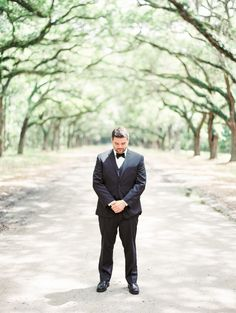 Bride and Groom First Look | Wormsloe | Savannah, Georgia | Photography by The Happy Bloom Fine Art Photography