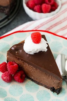 Nutella Cheesecake is fabulously creamy, rich, and smooth with lots of Nutella flavor and an oreo crust. You won't find a more decadent cheesecake. Triple Chocolate Cheesecake, Nutella Cheesecake, Nutella Cake, Chocolate Ganache, Sweets Recipes, Baking Recipes, Cookie Recipes, Icebox Desserts, Just Desserts