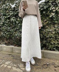 Modest Fashion, Skirt Fashion, Fashion Outfits, Frock Fashion, Street Hijab Fashion, Muslim Fashion, Cute Modest Outfits, Mode Ootd, Hijab Fashion Inspiration