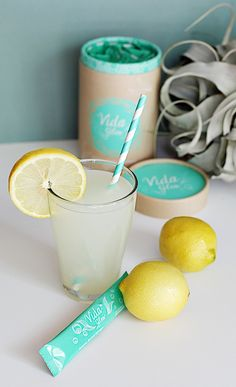 Summer drinks turn into the perfect opportunity to improve your summer skin – Vida Glow makes it easy. delicious!