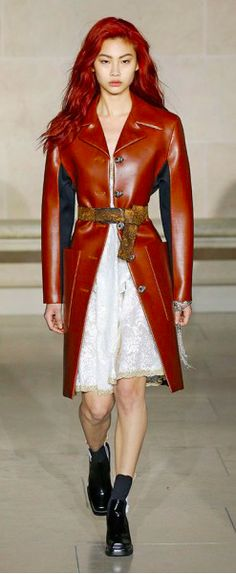 Louis Vuitton Outono inverno 2017/18 Paris - Slip dress + Couro