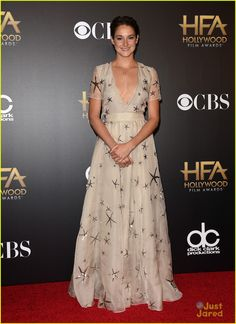 Shailene Woodley in Valentino. Wins an Award for 'Fault in Our Stars' at HFAs! | shailene woodley hollywood film awards 2014 03 - Photo