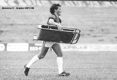 Roberto Cavalo tirando onda de MAQUEIRO. Clube Atlético Paranaense