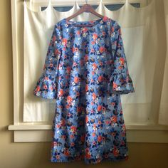 Every Day Style, Esme Tunic + Bell Sleeve Variation-Raindrop Collection by Cotton and Steel Rashida Coleman-Hale Tunic Tutorial, Clothing Patterns, Pdf Patterns, Smock Dress, Mode Inspiration, Sewing Clothes, Refashion, Dressmaking, Flowers