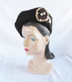 1940's Vintage Brown Beret Hat with Pearl Medallion New York Creation Size 22