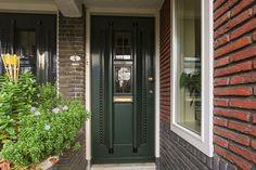 Huis te koop: Joseph Israëlslaan 4 3055 BG Rotterdam [funda] Rotterdam, Joseph, Garage Doors, Outdoor Decor, Home Decor, Decoration Home, Room Decor, Interior Design, Home Interiors