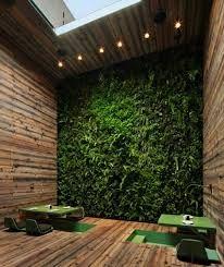 Idee reminder, muur met nep groen