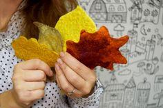 """Мастер-класс """"Осенние листики"""" Милые рукодельницы предлагаю вам мастер-класс по валянию осенних листочков. На него меня вдохновила золотая осень. Листики из войлока теплые, приятные. Они могут украсить ваш интерьер или стать брошкой для трикотажн..."""