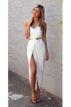 Everybody adores a maxi skirt, and they're the best comfort bottoms. These some strategies to put on a maxi skirt can help you create your idea… White Dresses For Women, White Maxi Dresses, Summer Dresses, Wrap Dresses, Summer Outfits, Sexy Dresses, Look Fashion, Fashion Outfits, Womens Fashion