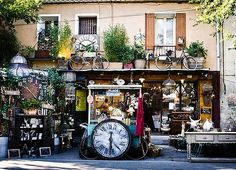 Time and treasure shop isle sur la sorgue