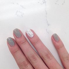 Allure with a marble accent nail on the beautiful @nats.style