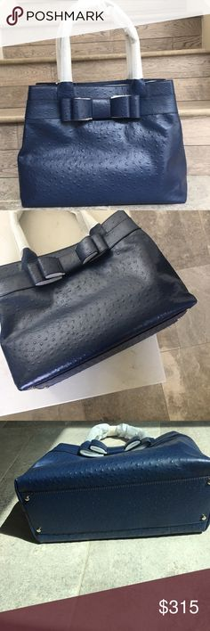 Kate Spade Large Ostrich Bow Satchel Made of Saffiano leather makes this tote extremely durable. Fabric lining inside features a zip closure along with an inner zipper pocket. zip closure Black leather Fabric lining (L) 14 x W) 9 x (H) 5 inches Inner zipper pocket kate spade Bags