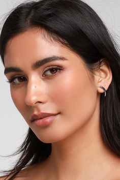 Add some glam to your outfits with the Lulus Aspen Silver Rhinestone Earrings Set! Set of four silver and rhinestone post-back earrings in different designs. Loose Hairstyles, Indian Hairstyles, Silver Rhinestone, Rhinestone Earrings, Beautiful Black Hair, Beautiful Eyes, Gorgeous Women, Peruvian Women, Loose Waves Hair