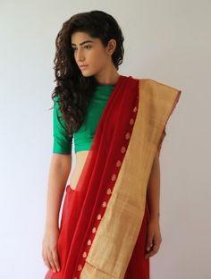Red Gajra Silk & Zari Saree By Raw Mango Pinned by Sujayita Indian Attire, Indian Ethnic Wear, Indian Girls, Pakistani Outfits, Indian Outfits, Indian Clothes, Indian Blouse, Indian Sarees, Indian Fashion Trends