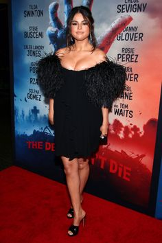 Photos : Selena Gomez – 'The Dead Don't Die' Premiere in New York , informations and more on Celebrity. Selena Gomez Fan, Selena Gomez Black Dress, Selena Gomez Shoes, Selena Gomez Fotos, Selena Gomez Pictures, Rosie Jones, Paparazzi Photos, Lingerie Dress, Marie Gomez