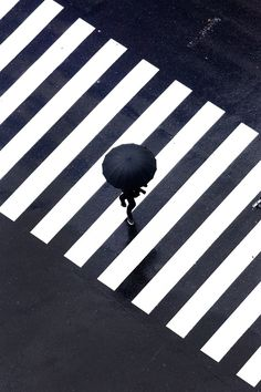 Black and white rain photography Contrast Photography, Line Photography, Minimal Photography, Pattern Photography, Urban Photography, Abstract Photography, Creative Photography, Black And White Photography, Amazing Photography
