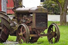 old tractor @thefarmstrs by Farmstr, via Flickr