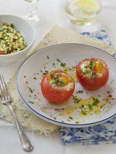 poivre, oeuf, crême fraîche, huile, tomate, sel