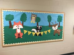 Woodland Animals Bulletin Board Welcome Back Preschool Zoo Bulletin Board, Friends Bulletin Board, C Preschool Rooms, Preschool Bulletin Boards, Kindergarten Classroom, Infant Classroom, Forest Theme Classroom, Classroom Decor Themes, Preschool Decorations, Classroom Ideas, Holiday Classrooms