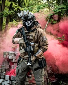 Military Gear, Military Weapons, Military Equipment, Special Forces Gear, Military Special Forces, Combat Armor, Combat Gear, Foto Batman, Ghost Soldiers