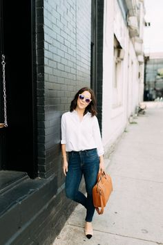 Keeping it Classic |  Kait Bos Fashion Blogger | classic outfit, easy outfit, classic pieces for wardrobe, jeans and shirt outfit