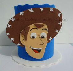 Centro Mesa Woody Toy Story em EVA