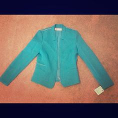 Zara Bright Emerald Blazer, S, NWT I adore this blazer from Zara London!! Sadly after I had it shipped over, it was too small. The size is S but fits more like a XS or smaller side of a S (2-4 to 4-6). I hate to see it go but the color is amazing, similar to teal but more on the green side, very bright and eye-catching. Perfect for Spring!! No trades or pp. Zara Jackets & Coats Blazers