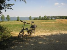 Hey, it's hump day! Jump on your bike and enjoy every day of the week - pic by Grafham Water