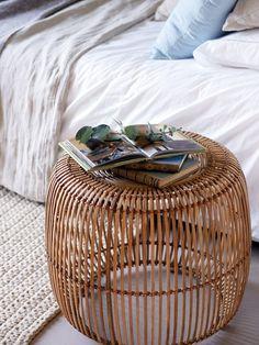 Monday Inspiration: Mediterranean home in Catalonia Best Outdoor Furniture, Rattan Furniture, Living Room Furniture, Diy Furniture, Modern Furniture, Furniture Design, Antique Furniture, Home Bedroom, Bedroom Decor