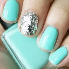 Love it this is what I am doing when I get gel nails!!!<3