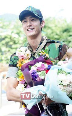 Lee Ki Woo Korean Celebrities, Korean Actors, Korean Dramas, Grandpas Over Flowers, Lee Ki Woo, Korea University, Miss Korea, Sad Movies, Hyun Bin