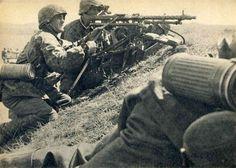 Waffen SS in the West, 1940 -  Heavy machine gun