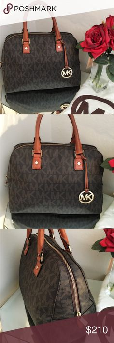 ❤️ Michael Kors Purse Excellent condition MICHAEL Michael Kors Bags