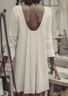 Short wedding dress - Civil ceremony - Collection 2017 - Laure de Sagazan - To discover on the. Laura Lee, Vestidos Vintage, Vintage Dresses, Custom Dresses, Fashion Details, Fashion Design, Fashion Ideas, Fashion Trends, Vogue Patterns