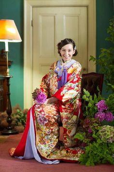 進化する日本のライフスタイル。美しさの伝統という価値は変わらない。  Lifestyle also changed, the value of beautiful tradition does not change.