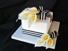 Sugar calla lilies and a striped fondant ribbon cake. A practice cake I did in order to work on my sugar flower skills. 1 Tier Cake, Tiered Cakes, Fondant Flower Cake, Fondant Cakes, Gorgeous Cakes, Amazing Cakes, Calla Lily Cake, Cupcake Pictures, Cupcake Pics