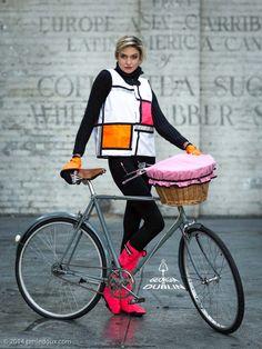 Now this is my kind of reflective vest for biking! GinD Style White&Pink, Pink Leggits, Orange And Cuffs Bike Style, Lady Biker, Waterproof Fabric, Rain Wear, Work Wear, Georgia, Cycling, Mens Fashion, Stylish