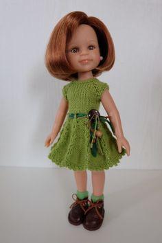 Добрый день кукольным рукодельницам. Как говорится «по многочисленным просьбам» сделала мастер-класс по вязанаю платьица для куклы Паола Рейна с юбкой
